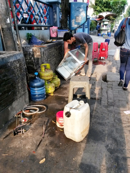 Warung hygiene street style.